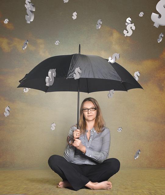 להגיש בקשה למחיקת חובות