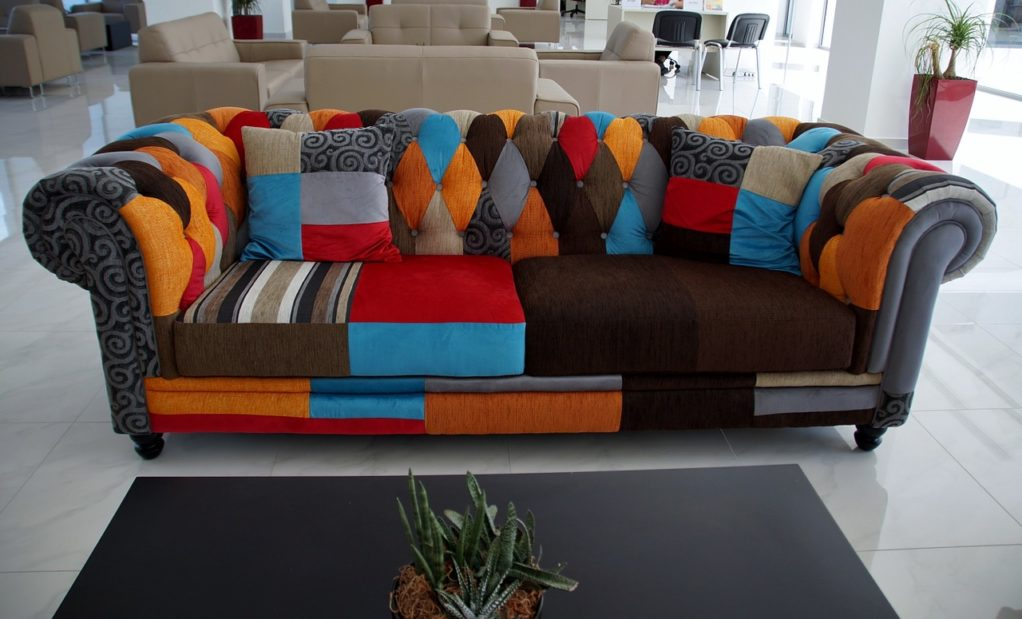 רהיט צבעוני